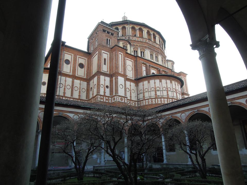 Santa Maria delle Grazie vista dal chiostro del Bramante