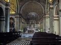 L'interno della chiesa e l'illusorio scorcio prospettico