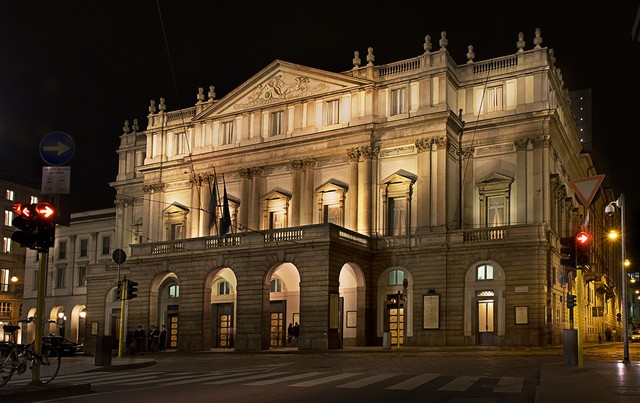 Teatro alla Scala external view