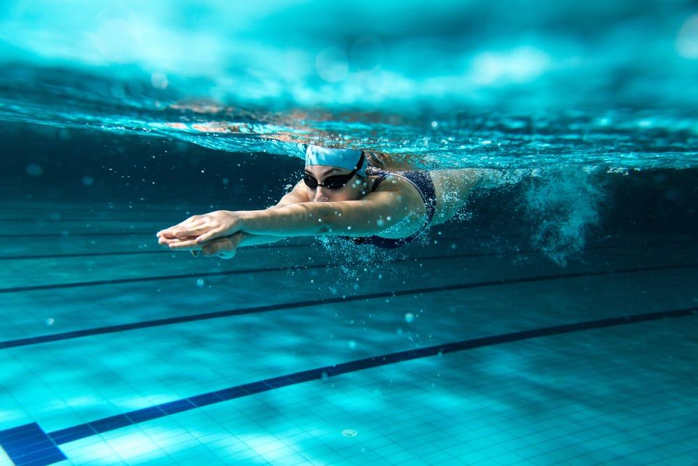 Scuola, il diritto all'istruzione riguarda anche la piscina